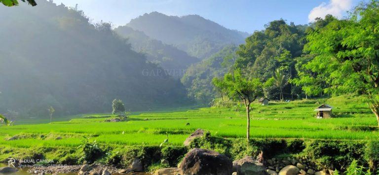 Keindahan Desa Cibunian 4.8 (6)