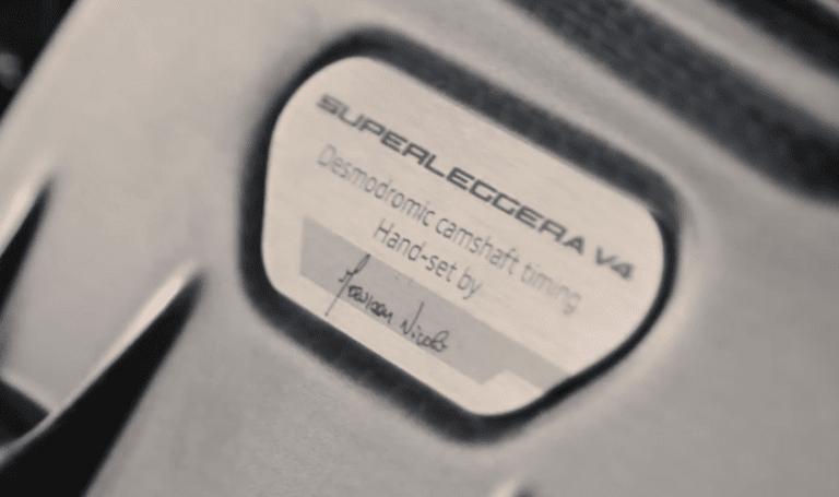 Proses Perakitan DUCATI Superleggera V4 N 1/500 5 (2)